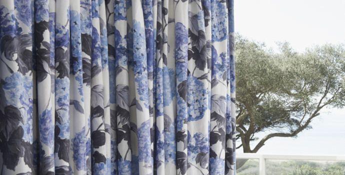Designers' Guild Floral Drapes #bedroominteriors #designersguild #costalliving #floral #curtains #homestyling #interiordesign