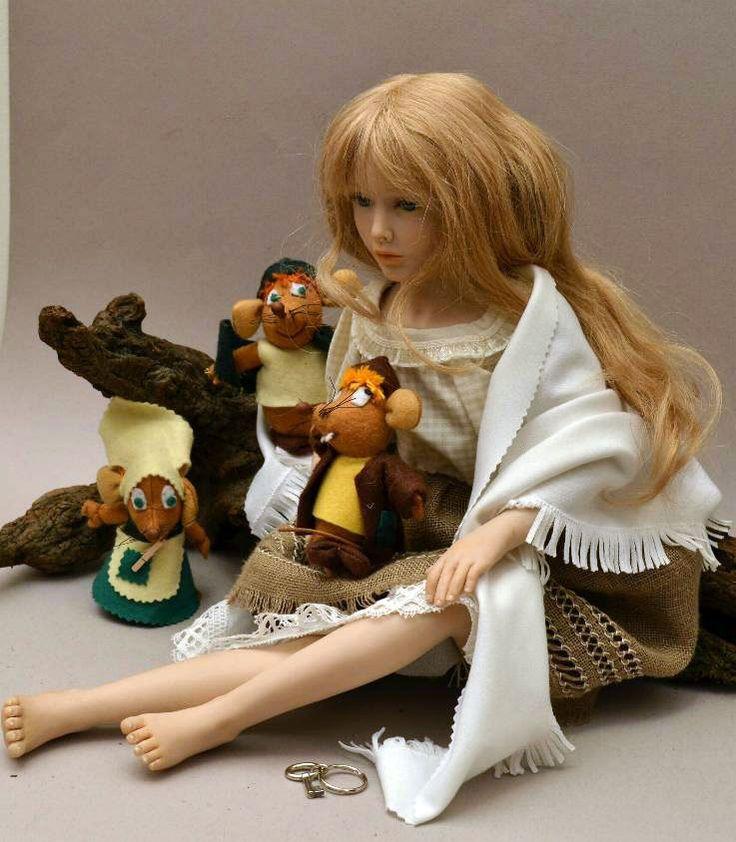 Cinderella OOAK (63 cm) è su ebay con i suoi amici topini.