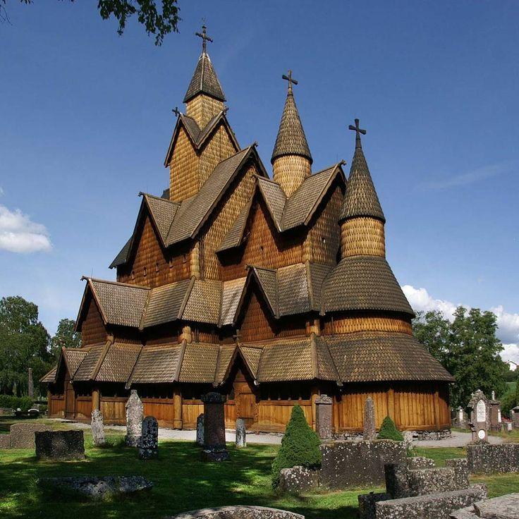 "29 aprecieri, 1 comentarii - TRAVELER DIARY (@traveler_diary_) pe Instagram: ""Heddal stave church Location: #Norway . . . #heddalstavechurch #stavechurch #monastery #carvings…"""