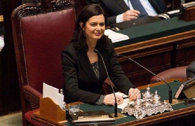 """Siparietto alla Camera tra Grimoldi (Lega) e Boldrini. """"Signor presidente"""", lei replica """"Deputata""""…(VIDEO)"""