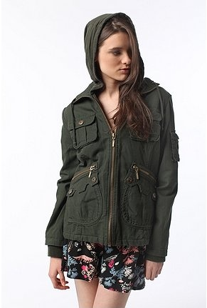 Warm up under a New Moon in this Bella-inspired hooded canvas jacket with a zippered front. Topped with tons of pockets at the front and along the sleeve. Finished with rib-knit trim along the cuffs and finished with a full lining.