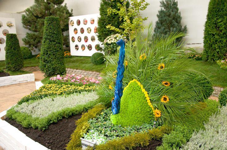 Oslava času sklizně, pestrých barev, nejkrásnějších růží a všudypřítomné pohody. Přijměte pozvání na naši tradiční podzimní výstavu v zahradním centru Starkl v Čáslavi - Kalabousku, která je jedinečnou oslavou nevšedních květinových aranžmá. Kromě záplavy květin, zahradních dekorací a okrasných stromů a keřů pro Vás bude připravena i speciální expozice těch nejúžasnějších růží ve stylu francouzských zahrad.