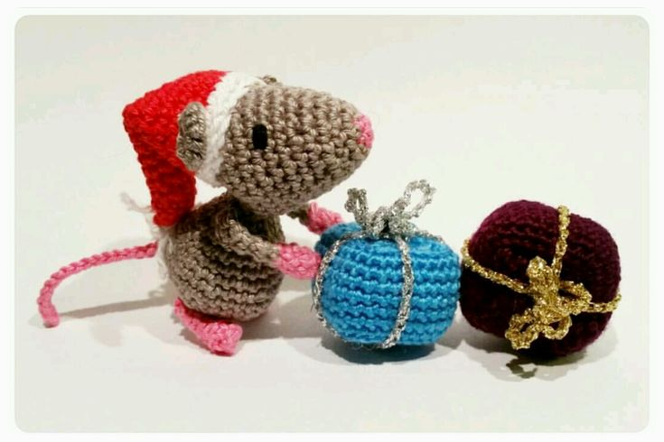 Christmas mouse  (Double Treble Trinkets design)