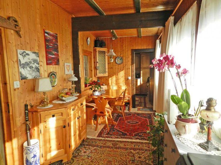 Habitation tout confort à prix doux : 3.5 pièces, 60m2, sur un seul niveau 2 chambres, une salle de douche /wc, une cuisine magnifique et un bel espace de vie lumineux et traversant...Que du bonheur !Une ambiance chaleureuse dans un st...