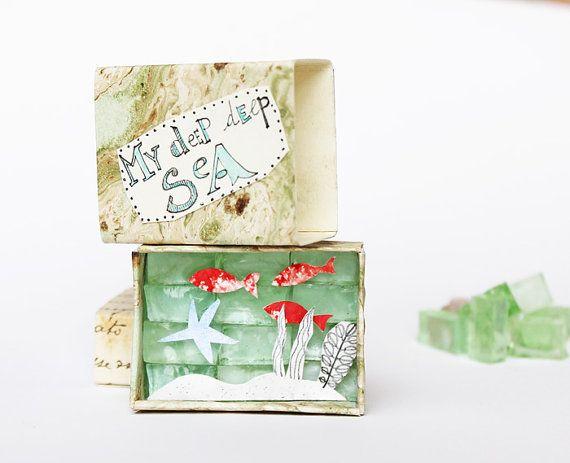Boîte d'allumettes « Mon profond hauturière » faite avec du papier antique et verre de Murano