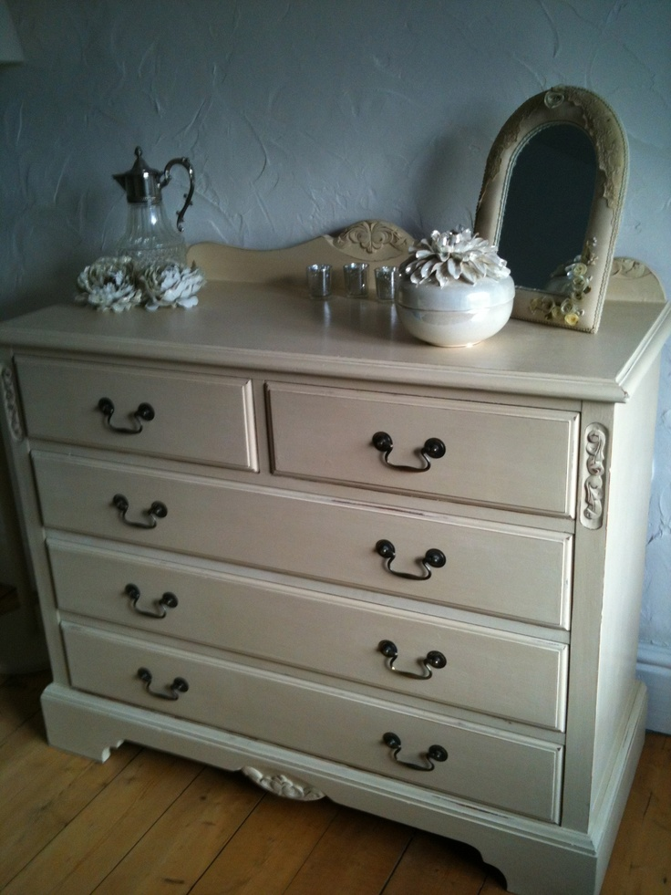 paint bedroom furniture 25 best images about chalk paint ochre on 12766
