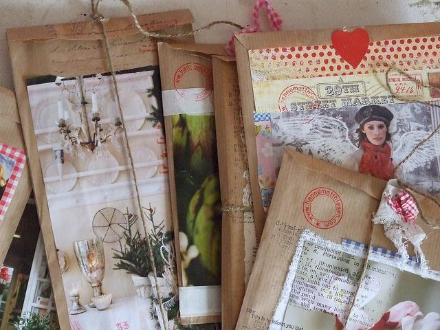 paper bags are so versatile - these are using the flat kind of paper bag. The idea would be so great for a friend gift or Christmas giving.