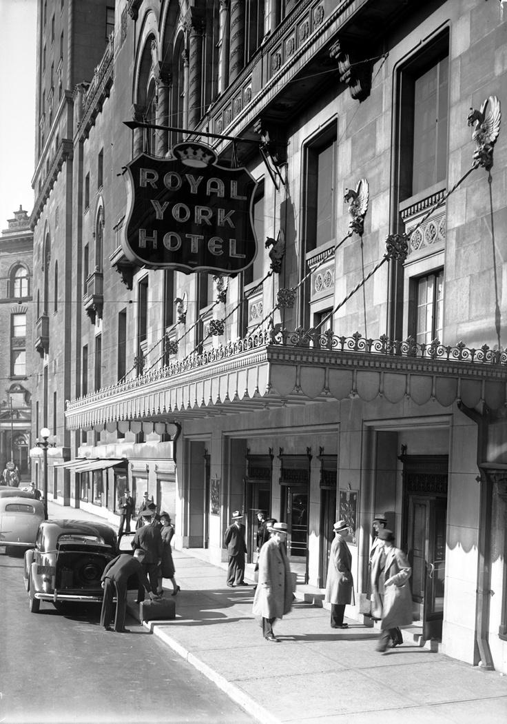 """Exterior shot of The Royal York hotel, 1940s.  se la vostra è un'attività familiare e vi passate il testimone dell'albergatore di generazione in generazione, scovate le vostre foto più antiche, scannerizzatele, e caricatele in un'apposita """"board"""" di Pinterest. - See more at: http://www.bookingblog.com/pinterest-visual-storytelling-hotel/#sthash.Mfz3OafW.dpuf"""