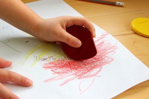 child using boya ergonomic crayons