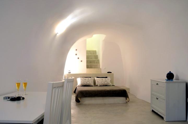 Liakada- Oia Houses - Santorini Soul