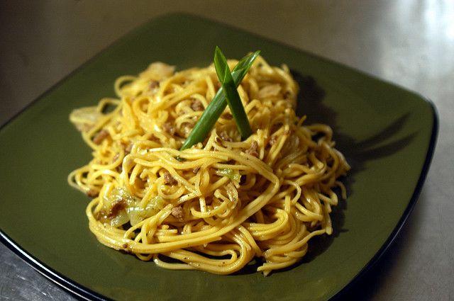 La ricetta facile per preparare la pasta alla verza e tonno: semplice ma gustosa