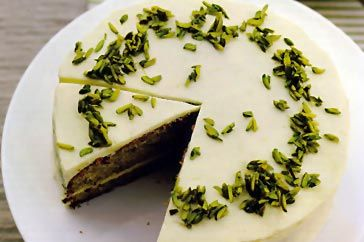 Zucchini & pistachio spice cake with lime. this sounds amazing!