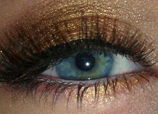 Make-Up Anonymous: Make-Up for Blue Eyes: Golds to Rose Golds