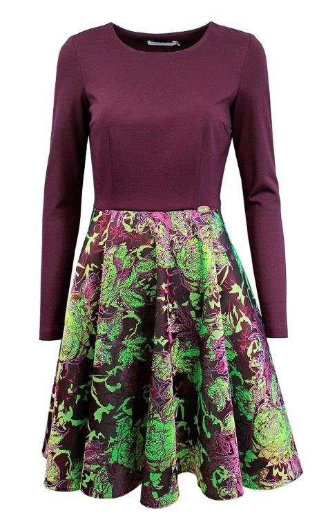 long sleeved dress to make women feeling comfortable