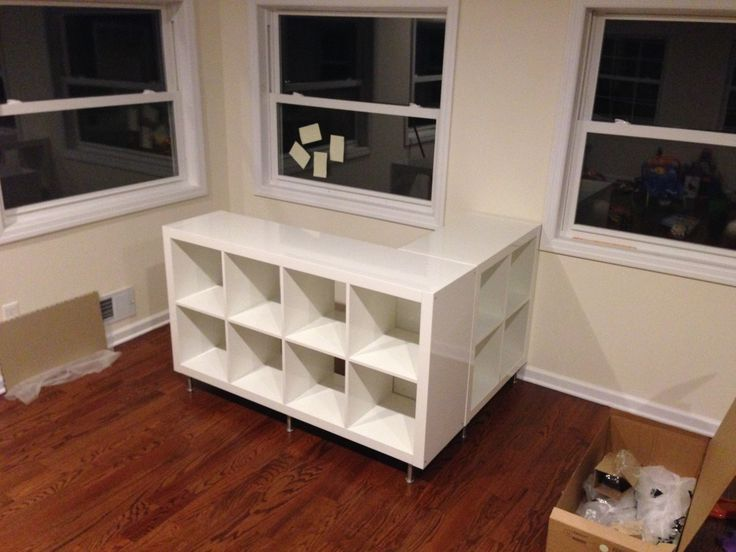 This bar would not have been possible without the original post. Items from Ikea 1 –EXPEDITShelving unit, high gloss white 2 X 2 1 –EXPEDITShelving unit, high gloss white2 X 4 2 – Pack ofCAPITALeg, stainless steel 1 – Capita bracket From Amazon: LED Kit LED Splitter LED Extension cable 2 pieces of custom glass …