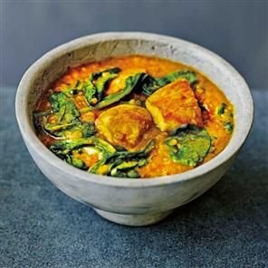 Red lentil and chicken curry