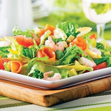 Salade fraîcheur aux crevettes nordiques et saumon fumé - Recettes - Cuisine et nutrition - Pratico Pratique