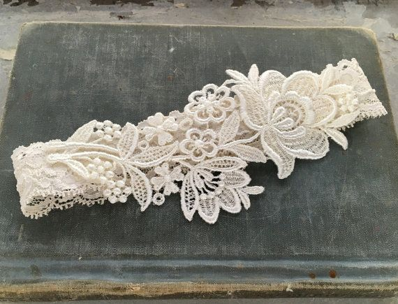 "Ivory Lace Bridal Garter, Lace Wedding Garter, Elegant Garter, Garter Belt, Simple Garter, Bridal Shower Gift - Ivory or White - ""Flora"""