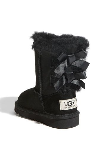 I ♥ my girls in their adorable matching Uggs!