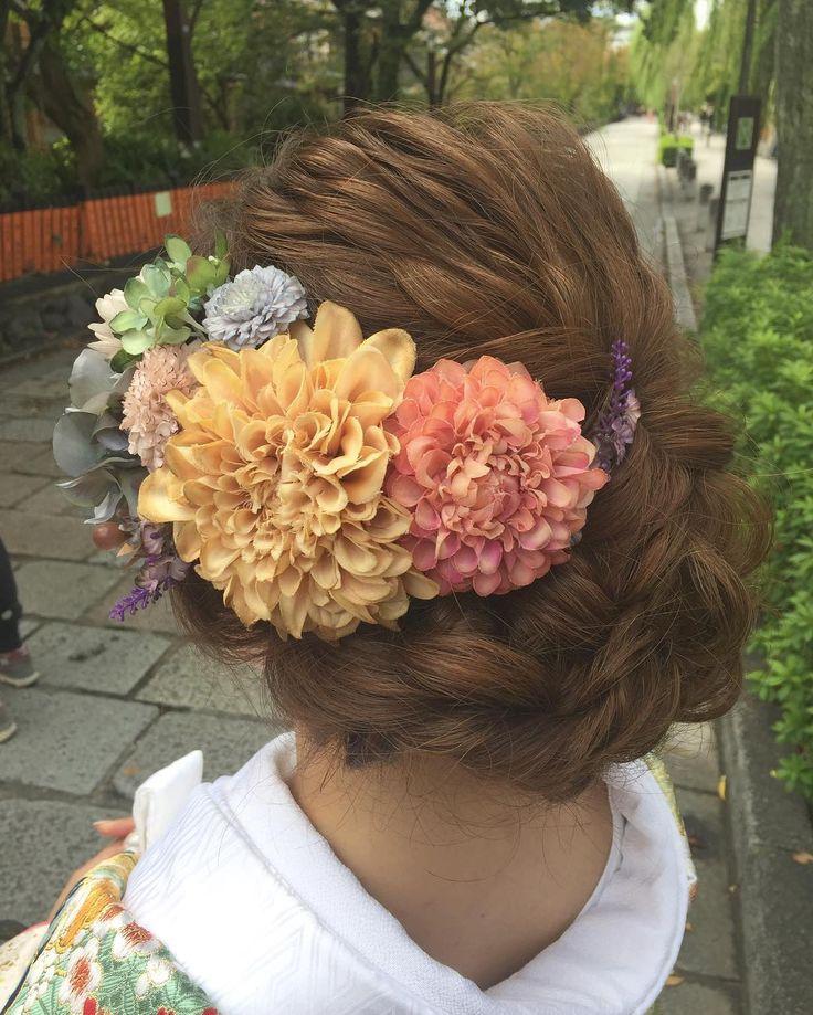 いいね!94件、コメント3件 ― Tamamiさん(@mtamamiii)のInstagramアカウント: 「和装hair . . 下目のウェーブに お花は大きめと小花をmixしたので 後ろからと 前からは 見え方が変わって 可愛い☺︎ . 好きな色合いが新婦さんと似てて 嬉しかったー . .…」