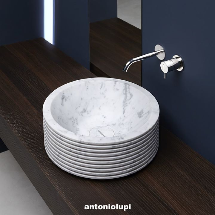 ANTONIOLUPI: The #Introverso washbasin: the hidden soul of the #marble. A soul That can rem ... http://www.davincilifestyle.com/antoniolupi-the-introverso-washbasin-the-hidden-soul-of-the-marble-a-soul-that-can-rem/   The #Introverso washbasin: the hidden soul of the #marble. A soul That can remain hidden, perceived thanks to the play of light and shadow created by the horizontal blades, or can be revealed, partially or totally, by breaking the blades with a hammer. Design