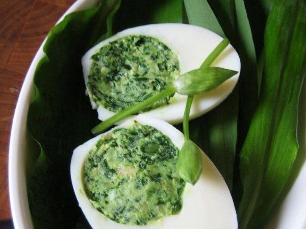 Vajíčka s medveďou plnkou - Recept pre každého kuchára, množstvo receptov pre pečenie a varenie. Recepty pre chutný život. Slovenské jedlá a medzinárodná kuchyňa