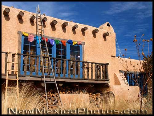 An old adobe house in Albuquerques North Valley adorned