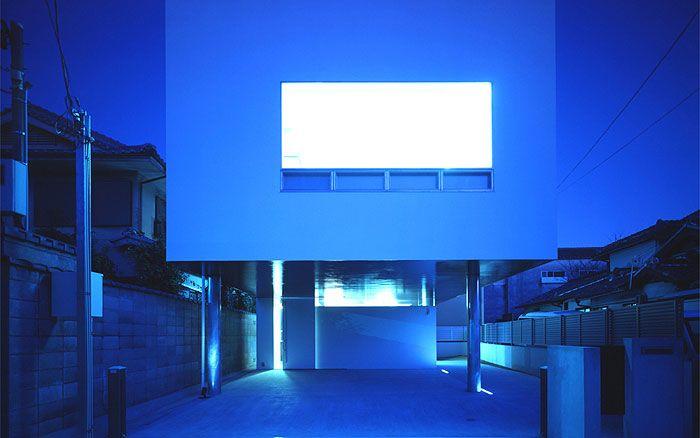 岡町の家 鉄骨3階建の開放的な家 外観 夜景