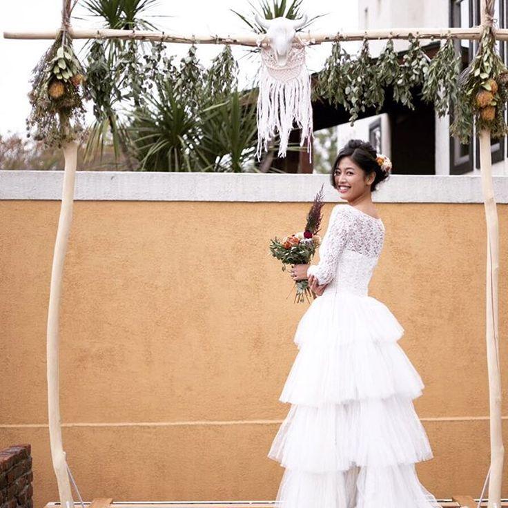 昨秋の作品✴︎ western home wedding✴︎ また撮影やりたい。 コンセプト決めるって楽しい✴︎ #tanikuhammock  #bohowedding  #ウェスタン #ドライフラワーウェディング #結婚準備 #アンティークドレス #2017年春婚  #ウェディングヘア  #ヘアアレンジ #ドライフラワーブーケ #ドライフラワーヘッドパーツ