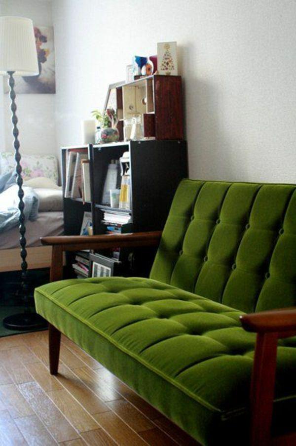 Grüne Sofas regale retro look