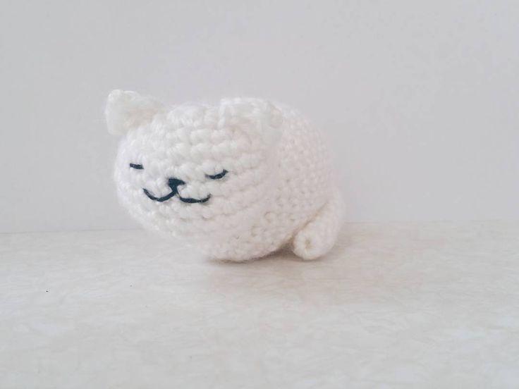 Neko atsume cat!  #nekoatsume #snow #cat #crochet #amigurumi #handmade by cloudialis