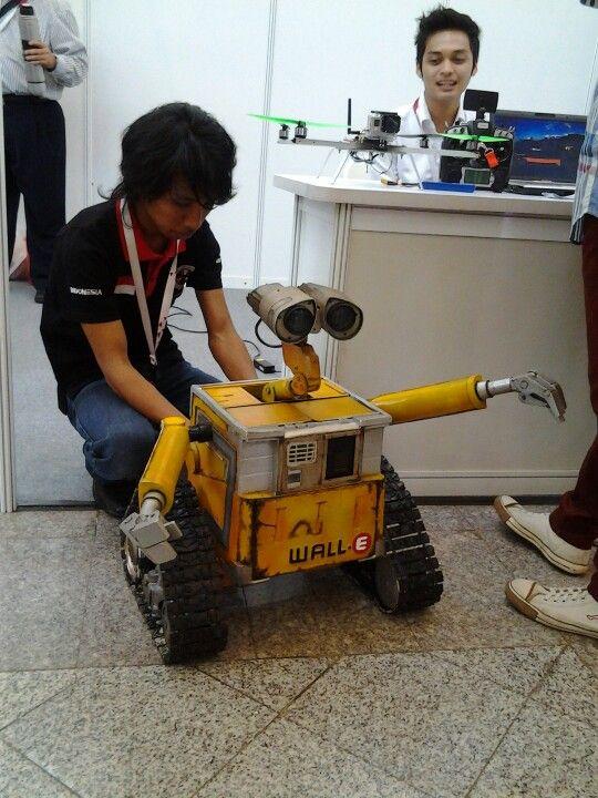Hi.. Iam WALL E ;) #infokost #inaicta