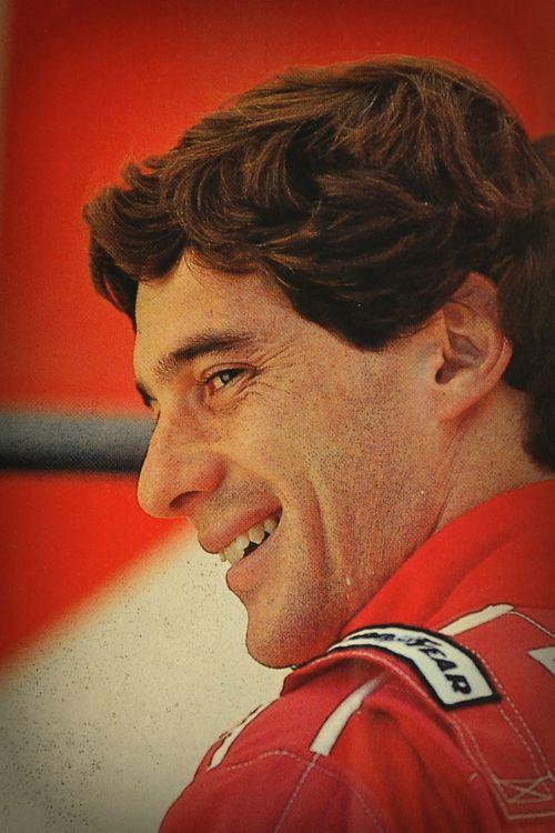 Eu não tenho ídolos, tenho admiração por trabalho, dedicação e competência. Ayrton Senna