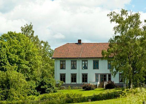 """Sveinhauggård og """"hotel"""""""