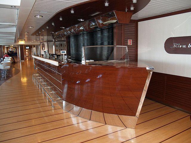 boat-shaped bar by zoetnet, via Flickr