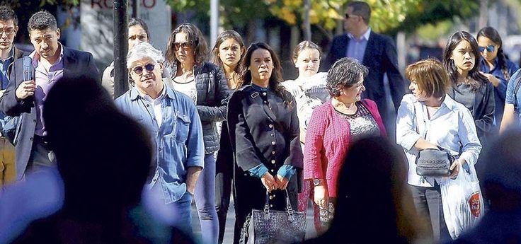 Número de deudores morosos subió 6% a 438 millones a septiembre - LaTercera