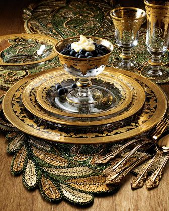 Use Vetro Gold dinner and glassware on top of metallic place mats for a rich textures table.