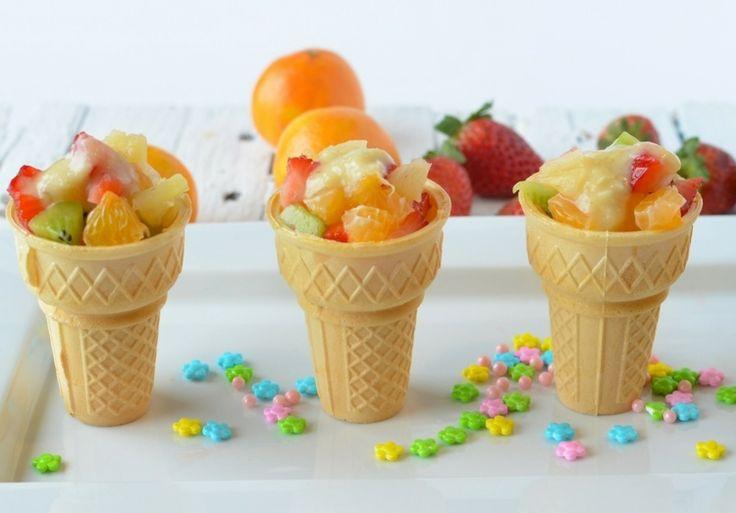 Obststücke in Eiswaffeln - Idee für Kindergeburtstag