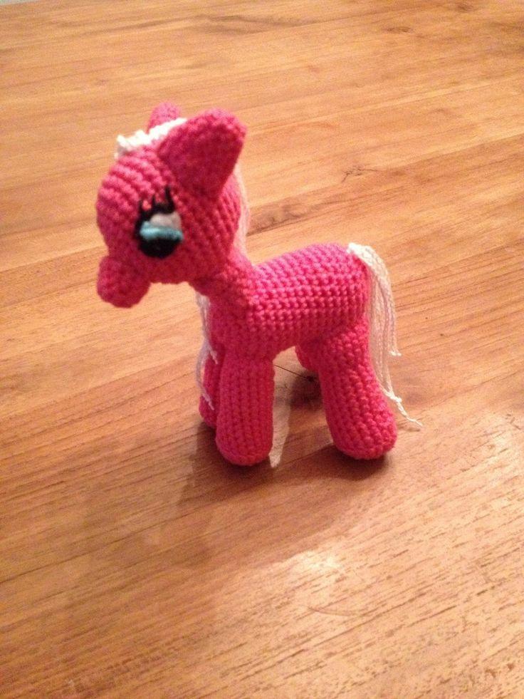 Schattige pony, mijn eerste amigurumi!
