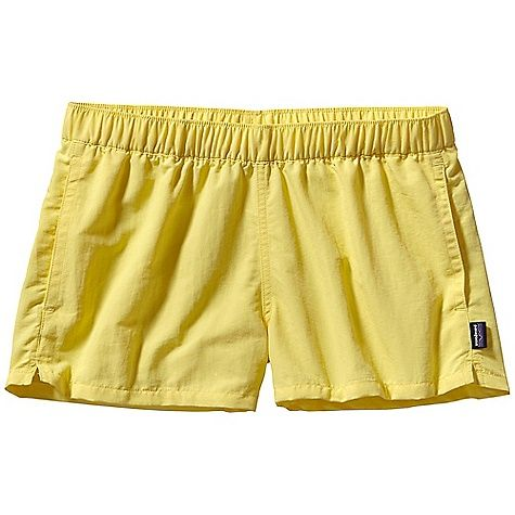 I love a good baggy short + in YELLOW...dying!