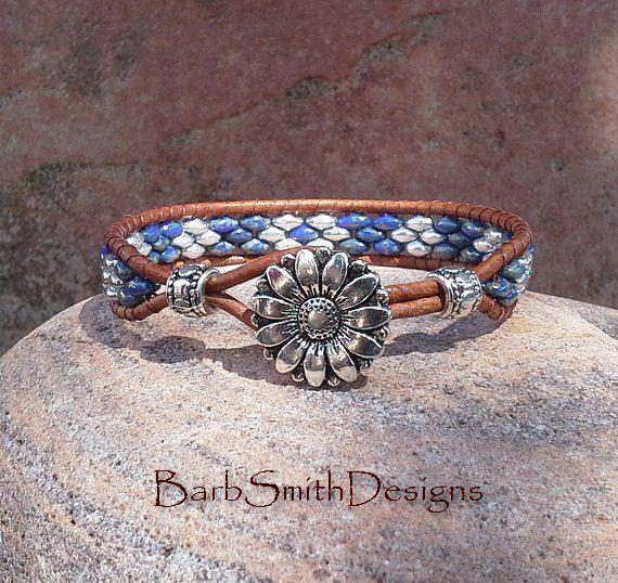 Bleu Denim argent cuir Wrap Bracelet en perles par BarbSmithDesigns