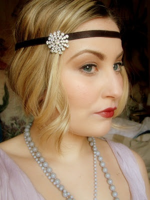 The Great Gatsby Flapper Girl Look - Makeup and Hair