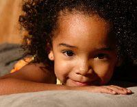 les 25 meilleures id es concernant enfant metisse sur pinterest bebe metisse coiffure cheveux. Black Bedroom Furniture Sets. Home Design Ideas
