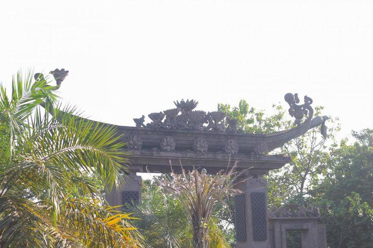 🌈 Check out this free photoIsi surakarta s monumental gate    📷 https://avopix.com/photo/50210-isi-surakarta-s-monumental-gate    #tree #landscape #trees #sky #plant #avopix #free #photos #public #domain
