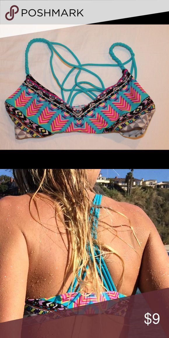 PacSun bikini top Size small! Super cute awesome condition. Too small for me now! PacSun Swim Bikinis
