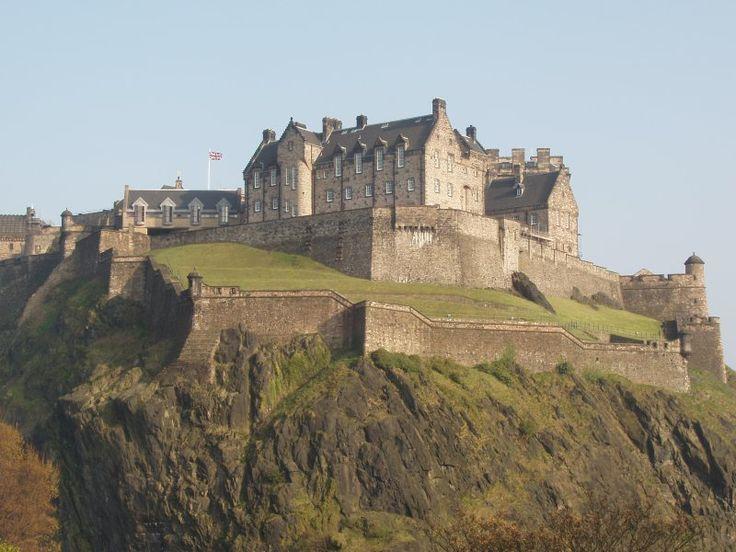 Medieval Castles | Medieval Archives Podcast: Episode 08 – Edinburgh Castle