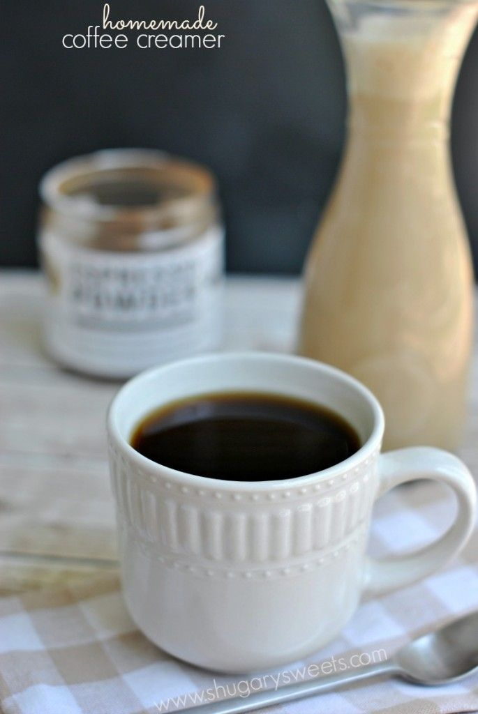 Homemade Caramel Macchiato Coffee Creamer: so easy to make at home, and DELICIOUS too!