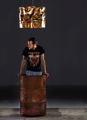 Cool trash-design lamp by Jonatan Varon http://www.zarro.nettihotelli.org/