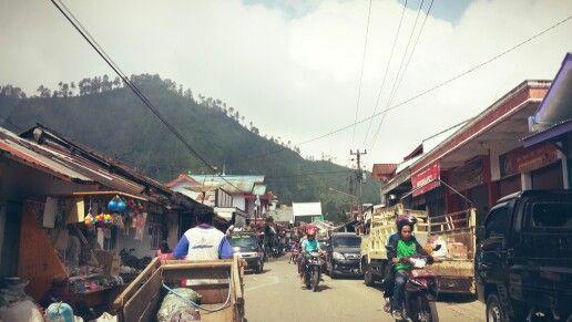 Traditional market - Desa Kalibening. Photo: Raninda