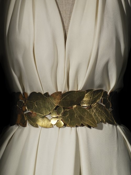 Vionnet Evening Dress - Winter 1936 - by Madeleine Vionnet (French, 1876-1975) Love this gold belt leaf accessory.